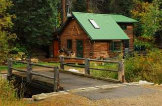 140127751_-in-co-cozy-romantic-cabin-in-the-woods--1-mile-to-